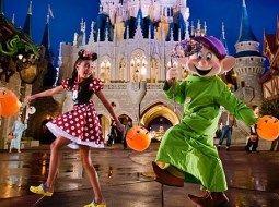 Halloween-2013-Disneyland-Stati-Uniti
